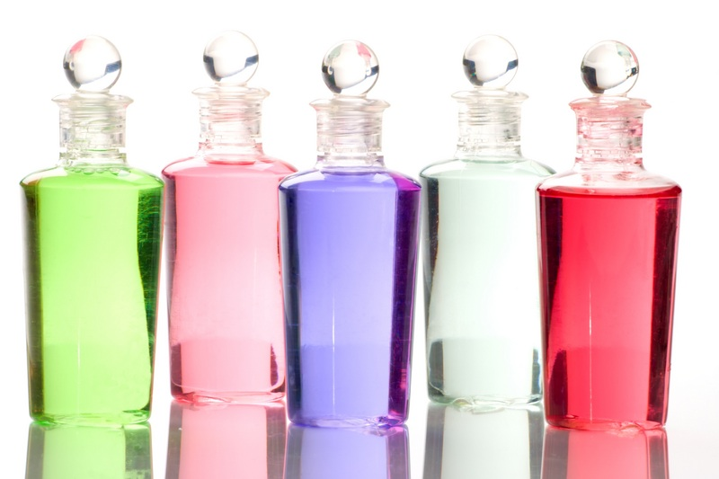 How much perfum to wear at work?
